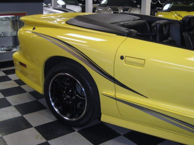 2002COLLECTORWS6TRANSAM6SPEEDCONVERTIBLE/40.JPG
